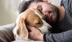 La scienza dietro l`ossitocina e l`amore per i cuccioli